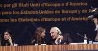 38° Congresso, II sessione. Tavolo di presidenza, con (da sinistra):Rebeka Dremelj Miss Slovenia 2001), Susanne Zuber miss Italia, Marco Pannella.