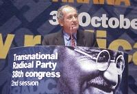 38° Congresso, II sessione. Alexander Carlili, segretario generale del Partito Repubblicano Albanese.