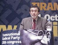 38° Congresso, II sessione. Arben Xhaferi, presidente del partito democratico albanese in Macedonia.