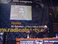 38° Congresso del PR, II sessione. Collegamento con Luca Coscioni, in videoconferenza. Lo applaudono Maurizio Turco (di spalle) e Marco Pannella (di p
