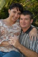 Kay e Kerry Danes (arrestati, e poi rilasciati, in un carcere del Laos).