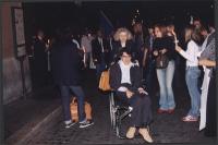 Marcia anticlericale da porta Pia a piazza San Pietro. Luca Coscioni, seduto sulla carrozzella spinta dalla madre.