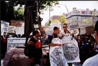 Kok Ksor (presidente della Montagnards Foundation), e Marco Perduca partecipano alla manifestazione sotto il monumento a Gandhi, in occasione della gi