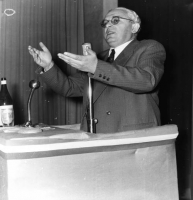 Leo Valiani.