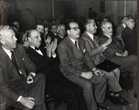 Primo Congresso del PR. In prima fila, da sinistra: Nicolò Carandini, Bruno Villabruna, Mario Pannunzio, Felice Ippolito, Ernesto Rossi.