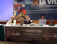 Primo Congresso per la libertà di ricerca scientifica. Al tavola: Emma Bonino, Luca Coscioni, Rita Bernardini.