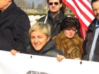Maria Carmen Colitti, nel corso di una manifestazione al cimitero inglese, per un Irak libero e democratico.