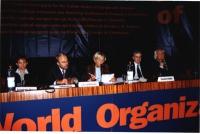 38° Congresso, II sessione. Al tavolo di presidenza, da sinistra: Ermelinda Meksi, Fatos Nano, Emma Bonino, Pandeli Majko, Marco Pannella.