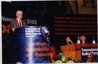 38° Congresso, II sessione. Alla tribuna: Arnold Trebach, presidente della Trebach Foundation, presidente della Lega Internazionale Antiproibizionista
