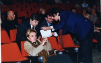 38° Congresso, II sessione. Dettaglio della platea. Carmen Colitti (in primo piano). Dietro a lei: Gaqo Apostoli. In piedi, a destra: Marco Cappato.