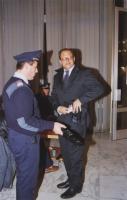 38° Congresso, II sessione. Marino Busdachin perquisito dai poliziotti, all'ingresso del Palazzo dei Congressi.