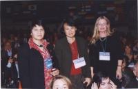 38° Congresso, II sessione. In piedi, da sinistra: Shoukria Haidar (presidente dell'Associazione NEGAR); Vanida Thephsouvanh (presidente del movimento
