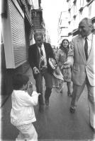 Enzo Tortora e Marco Pannella, per le strade.