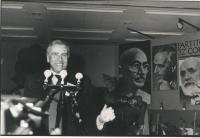 32° Congresso, II sessione. Enzo Tortora, alla tribuna.