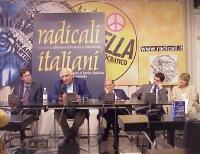 COnferenza stampa su un possibile ingresso dei radicali nel governo italiano. Da sinistra: Benedetto Della Vedova, Marco Pannella, Daniele Capezzone,