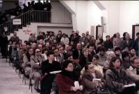 Assemblea sulla giustizia con Enzo Tortora e Alessandro Tessari. Scorcio della platea.