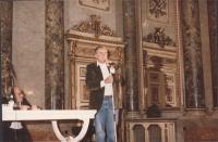 """Enzo Tortora interviene nel corso di un convegno su """"Lo stato della giustizia in Europa"""". (?)"""