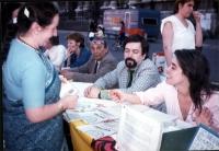 Tavolo di raccolta di firme sui referendum (tre in materia di giustizia), a piazza Navona.