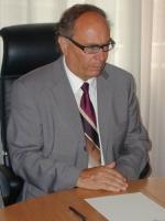 Otto Saurer, assessore alla Sanità della Provincia Autonoma di Bolzano (in occasione di una conferenza stampa al consiglio provinciale, con Oumar Khan