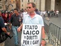 Sergio Rovasio - nel corso della manifestazione contro le ingerenze del Vaticano nelle libere scelte degli Stati, e per il riconoscimento legale delle