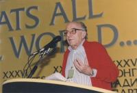 Stanzani parla al 36° congresso del PR (primo piano)