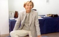 Emma Bonino (nel corso delle operazione di ripulitura delle firme sui 20 referendum).