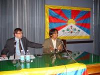 """SEMINARIO EUROPEO """"PER IL TIBET, L'ULTIMA CHANCE?"""". Bruno Mellano e Choephel Tamding, rappresentante della comunità tibetana in Italia."""