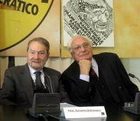 """Marco Pannella e Giuseppe di Federico (in occasione del Convegno, presso la sede di Torre Argentina, """"L'AUTOMONITORAGGIO DELLE DEMOCRAZIE OCCIDENTALI"""