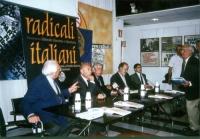 """Presentazione, presso la sede di Torre Argentina, del libro di Daniele Capezzone """"Uno shock radicale per il 21° secolo"""". Da sinistra: Marco Pannella,"""