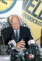 Marco Pannella, nel corso di una conferenza stampa, presso la sede di Torre Argentina.