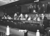 riunione al PE. Alla presidenza: Strik Lievers, Calderisi, Pannella, D'Elia e altri (BN)
