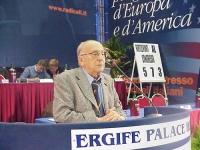 Sergio Stanzani alla tribuna del Secondo Congresso dei Radicali Italiani.