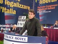 Matteo Mecacci alla tribuna del Secondo Congresso dei Radicali Italiani.