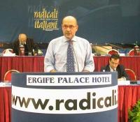Alessandro Litta Modignani (consegliere radicale della regione Lombardia) al Secondo Congresso dei Radicali Italiani.