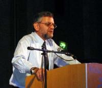 Arnold Roth - padre di una delle vittime del terrorismo palestinese (nel corso di una conferenza stampa al King David Hotel).