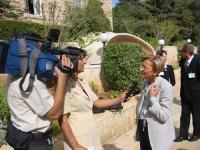 Emma Bonino presso il Palazzo Reale.