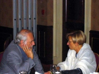 Josef Jarab (Presidente della Commissione Affari Esteri e Difesa) ed Emma Bonino.