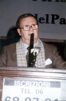 Domenico Rea a una manifestazione radicale al Maschio Angioino, per la campagna di iscrizioni al PR.