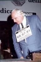 Marco Pannella a una manifestazione radicale al Maschio Angioino, per la campagna di iscrizioni al PR.