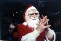 Marco Pannella travestito da babbo Natale, ripreso dal video. (Data presuntiva).