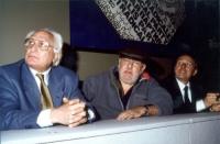 Marco Pannella, Paolo Villaggio e René Andreani, nel corso di una manifestazione al cinema Adriano per la campagna di iscrizioni al PR.