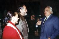 Diletta D'Andrea, Vittorio Gassman e Marco Pannella, nel corso di una manifestazione al teatro Adriano, per la campagna di iscrizioni al PR.