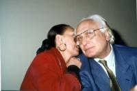 Diletta D'Andrea e Marco Pannella,  nel corso di una manifestazione al teatro Adriano, per la campagna di iscrizioni al PR.