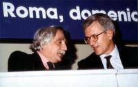 Pietro Carriglio e Paolo Vigevano, nel corso della manifestazione al teatro Adriano per la campagna di iscrizioni al PR.