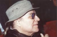Giorgio Albertazzi (nel corso di una manifestazione al teatro Parioli, per una campagna di iscrizioni al PR).