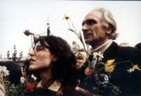Marcia di Pasqua contro lo sterminio per fame. Marco Pannella in digiuno insieme a Mirella Parachini.