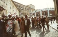 Marcia di Pasqua contro lo sterminio per fame. (Transito presso il Quirinale).