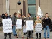 Manifestazione di fronte al Consiglio dell'Unione Europea per lo scongelamento dei fondi dell'UE per la ricerca sulle cellule staminali. Nella foto, d