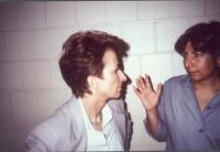Emma Bonino e Silvia Baraldini (nel corso di una visita della Bonino al carcere di massima sicurezza dove la Baraldini è detenuta per associazione ad