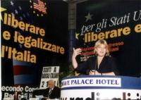 Rita Bernardini al Secondo Congresso dei Radicali Italiani. (A sinistra, in fondo, Marco Pannella).